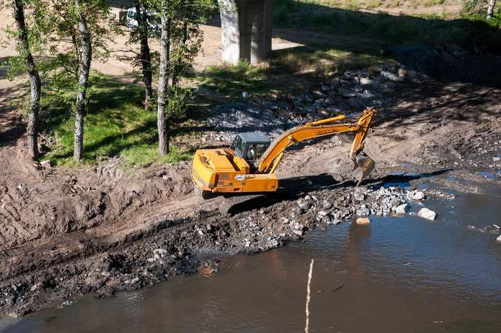 Sykes provide pumping solution for river bank repair