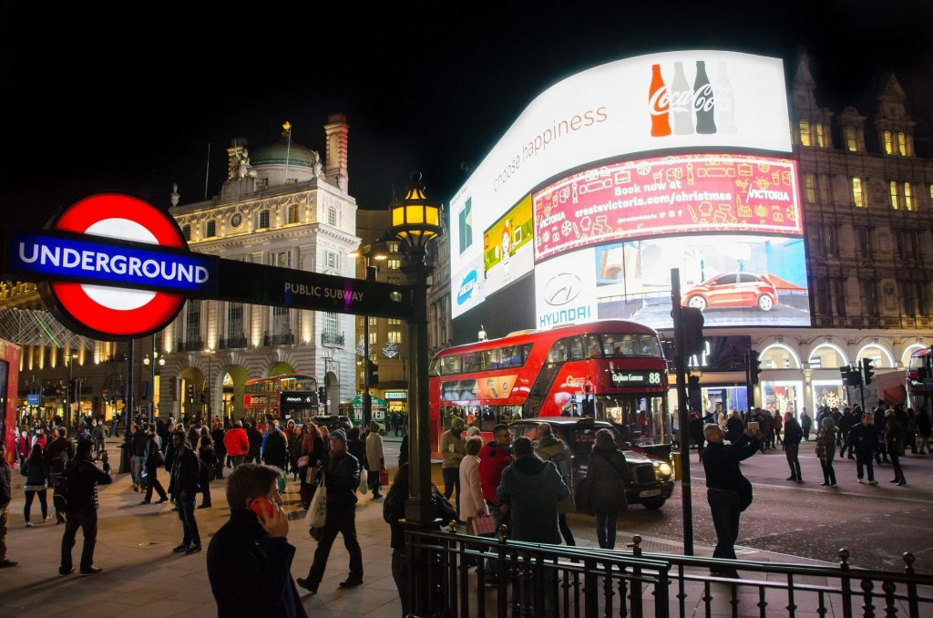 Burst water main at Piccadilly Circus prompts emergency response from Sykes Pumps