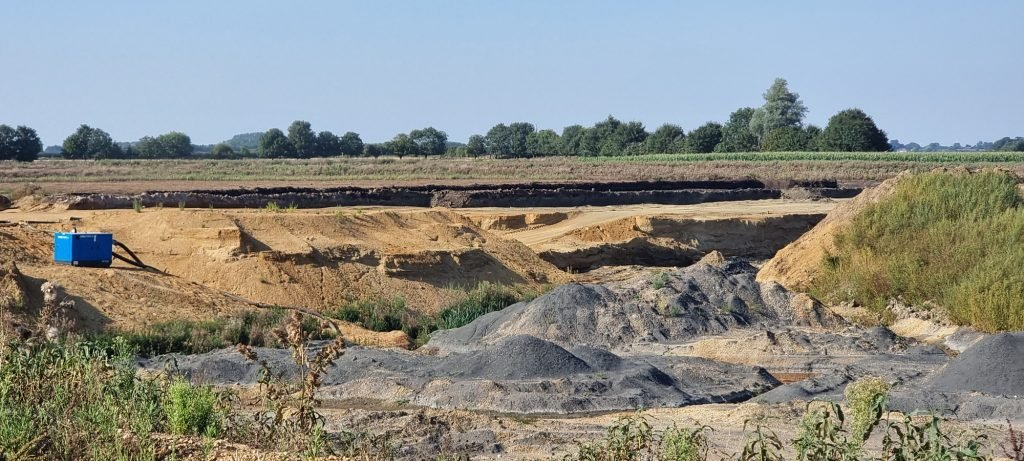 Quarry operatives approach Sykes for groundwater removal
